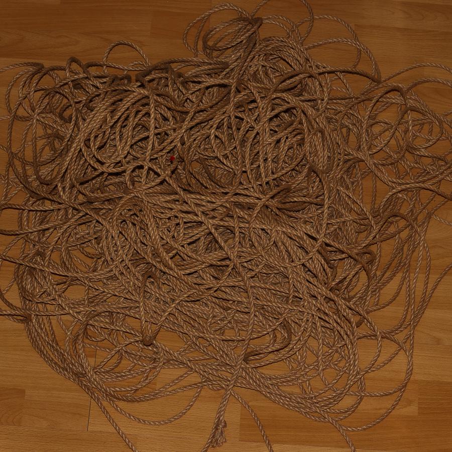 ein großer Haufen Rope